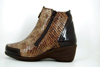 Snake ankle boots - brown in small sizes