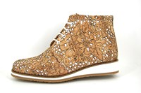 Exclusive cork lace shoes in large sizes