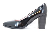 Chic black patent leather pumps in large sizes