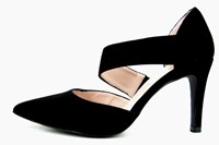 Aslant strap pumps - black in large sizes