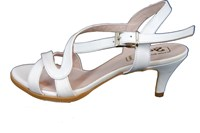 White Sandals Kitten Heels in large sizes