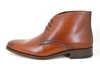 Stylish brown men's boots in small sizes