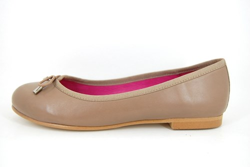 Soft taupe leather flats shoes