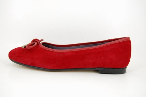 Red fashionable ballerinas