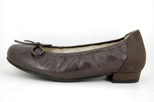 Comfortable brown ladies shoes