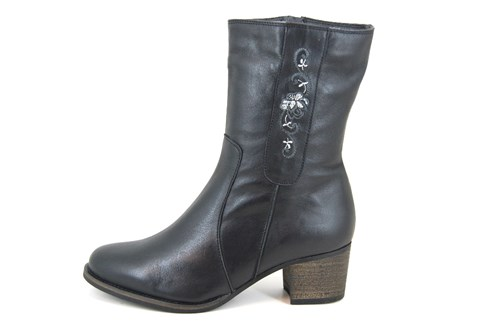Embroidery boots - black leather