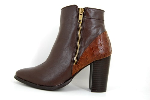 Pointed short boots - brown