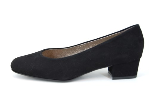 Black suede pumps small heel