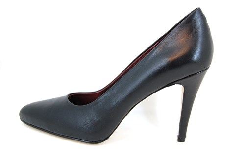 Needle Heels - black leather