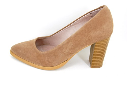 Nude suede pointy Toe pumps