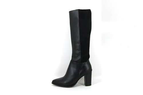 Pointed elastic leather boots