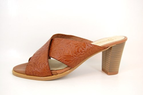 Ladies leather slippers - nude gold