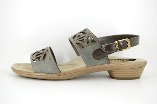 Comfortable summer sandals - taupe