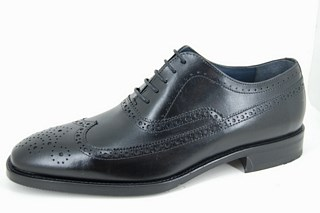 Black brogue men's shoes