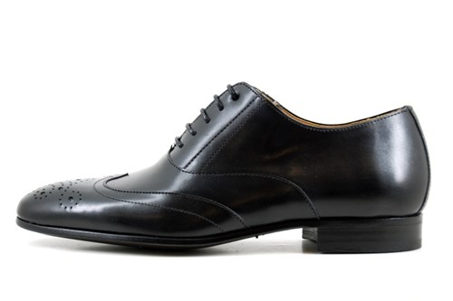 Neat brogue shoes - black