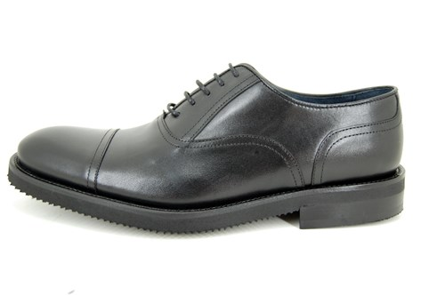 Light weight men shoes