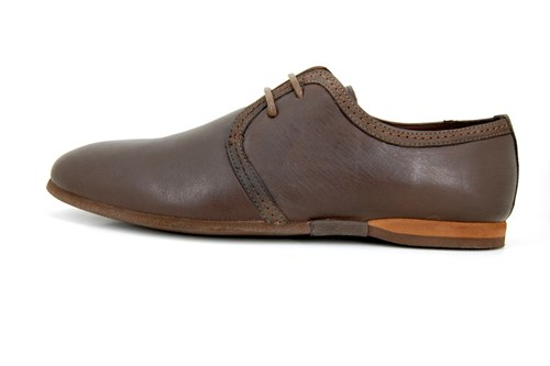 Brown casual lace shoes