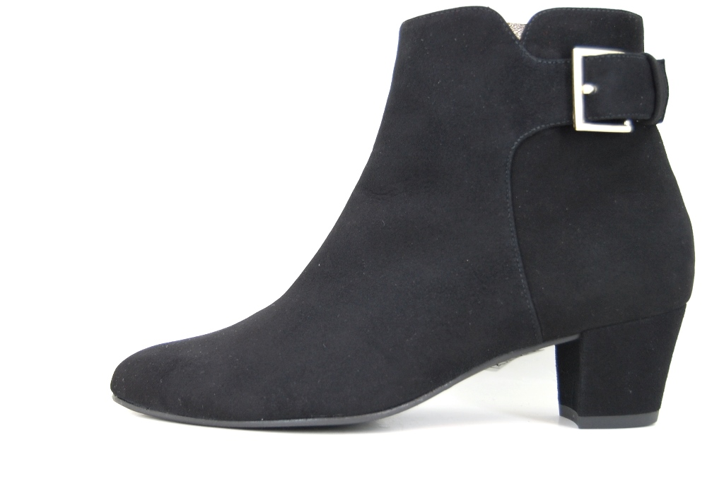 Black ankle booties low heel   Small
