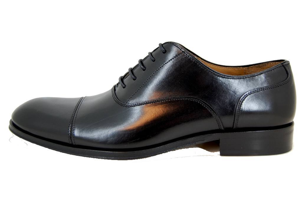 Elegant men's shoes - black